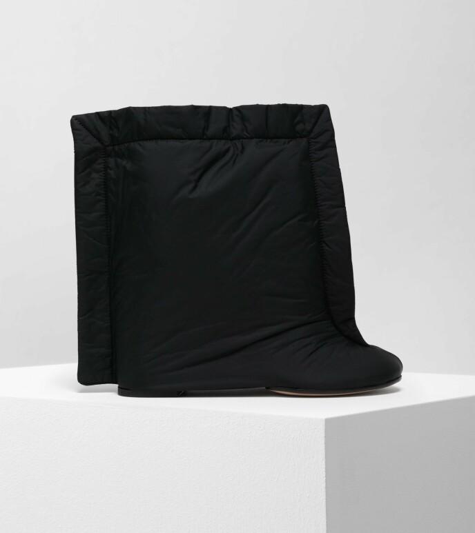 VERDT PENGA? Disse skoene koster rundt 6000 kroner. Foto: Mytheresa