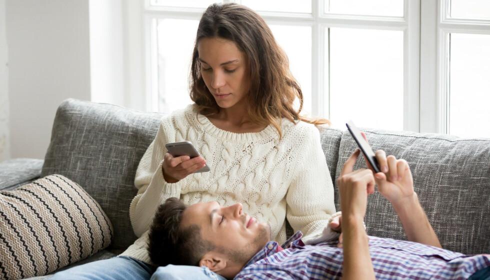 FLYTT FOKUS: Det kan være vanskelig å se seg selv og sine egne vaner, og det er ofte lettest å peke fingeren mot kjæresten og si at han eller hun har blitt kjedelig.