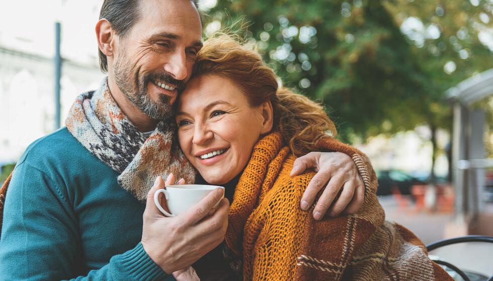 ALDER PÅVIRKER LYKKEFØLELSEN: En studie viser at det er to faser i livet vi mest lykkelige. FOTO: NTB