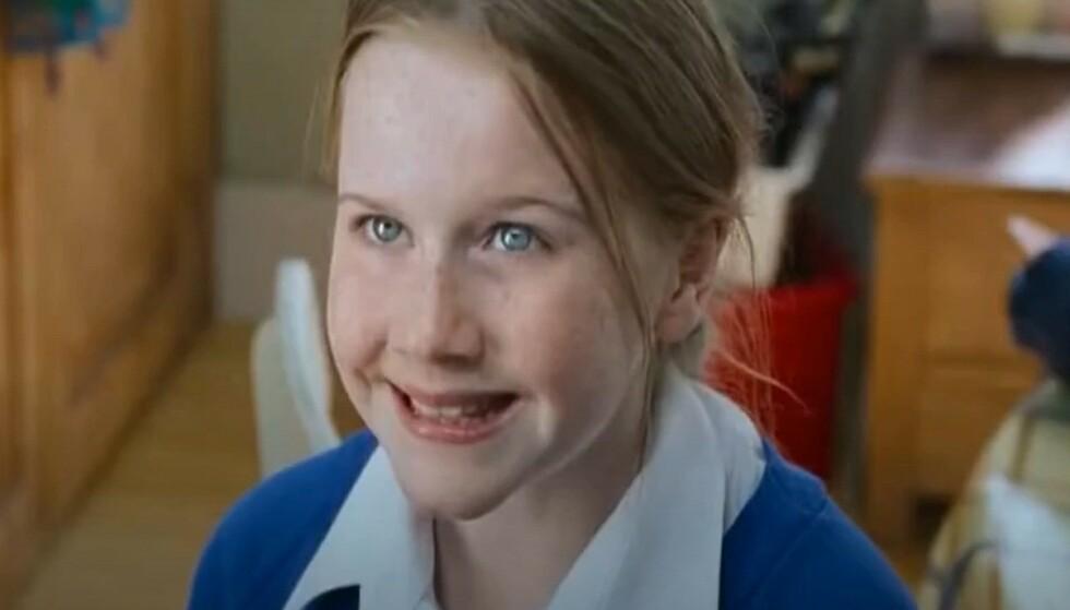 LULU POPPLEWELL: Skuespilleren spilte Emma Thompson og Alan Rickmans datter i Love Actually. Foto: Skjermdump