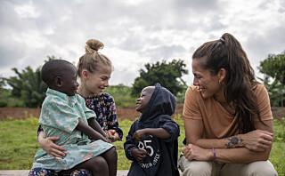 Tok med datteren (10) til Rwanda som en del av barneoppdragelsen