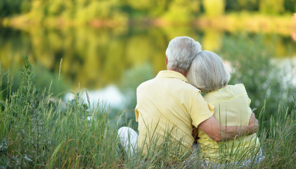 VI TILPASSER OSS: Det er ikke uvanlig å se eldre ektepar som etter et langt samliv kler seg likt, snakker likt og mener det samme. Den nye studien avkrefter derimot at ansiktstrekkene blir likere.