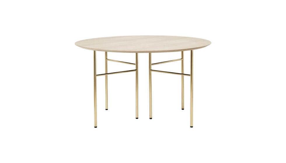 Rundt spisebord (kr 8400, Ferm Living). FOTO: Produsenten