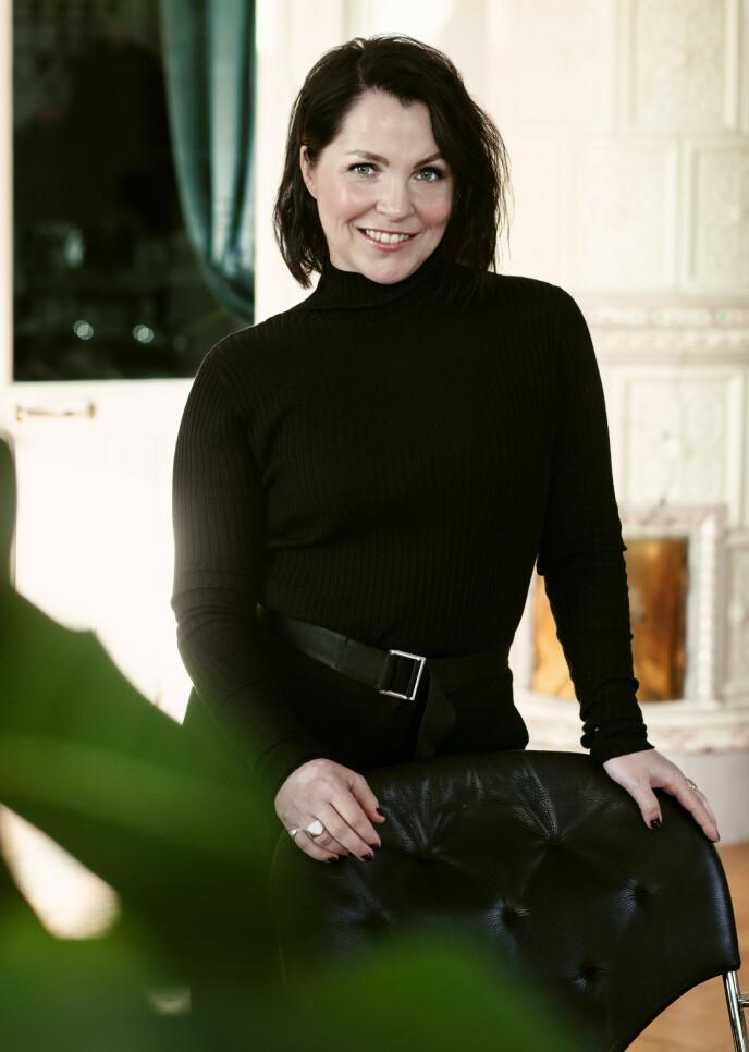 SJEF: Anita Rennan fant lykken med stjernekokk Eivind Hellstrøm. Selv er hun produksjonssjef i TV2 .FOTO: Astrid Waller