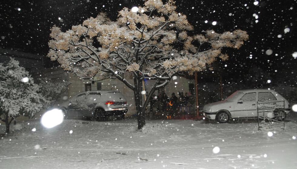 VINTER I BETLEHEM: Vinter og snø landsbyen Tuqu, i drøy mil sørøst for Betlehem. FOTO: NTB