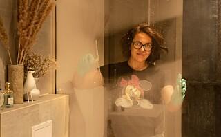 Slik får du skinnende rene dusjdører