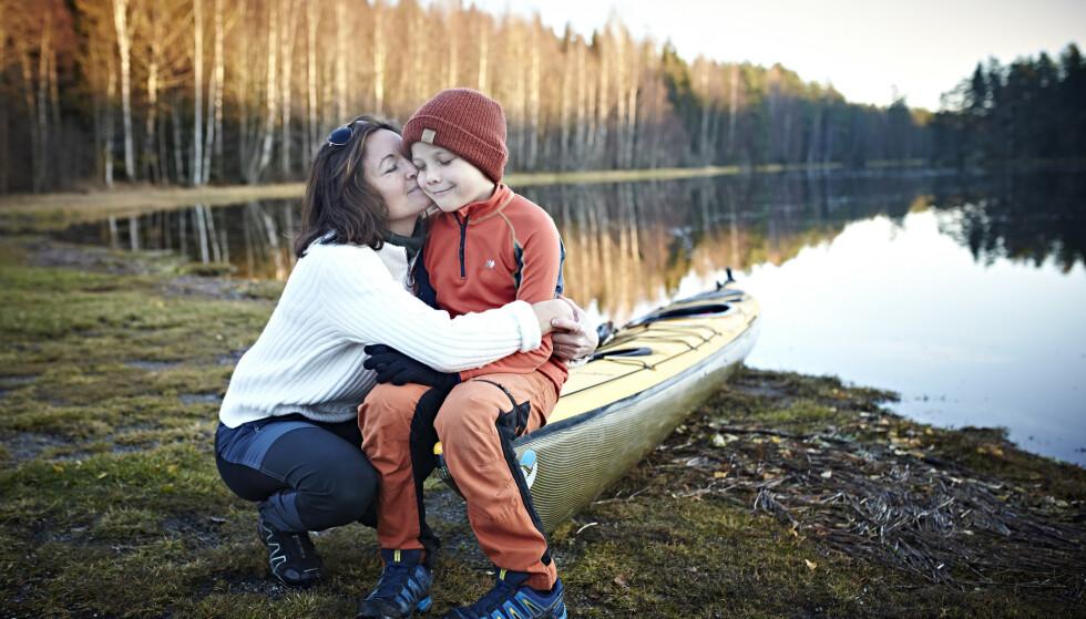 TIMIAN: Å få et friskt barn inn i en familie med to alvorlig syke barn, var både en utrolig lykke og svært hektisk, beskriver Trine. FOTO: Geir Dokken