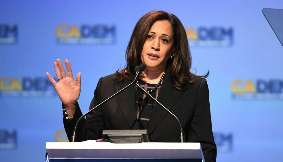 LANG KAMP: Senator Kamala Harris i California under California Democrats State Convention i 2018. Privat var det et hardt slag da moren døde. FOTO: NTB
