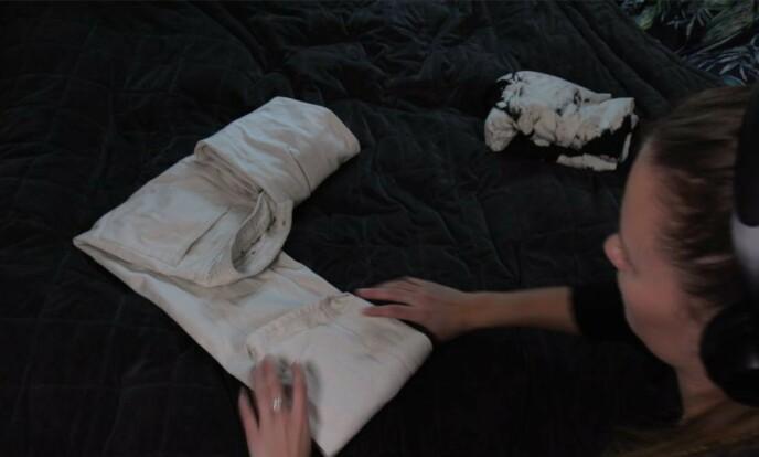 KLÆR: Med de nye brette-metodene ble det enklere å få orden i skapet! Foto: Embla Hjort-Larsen.