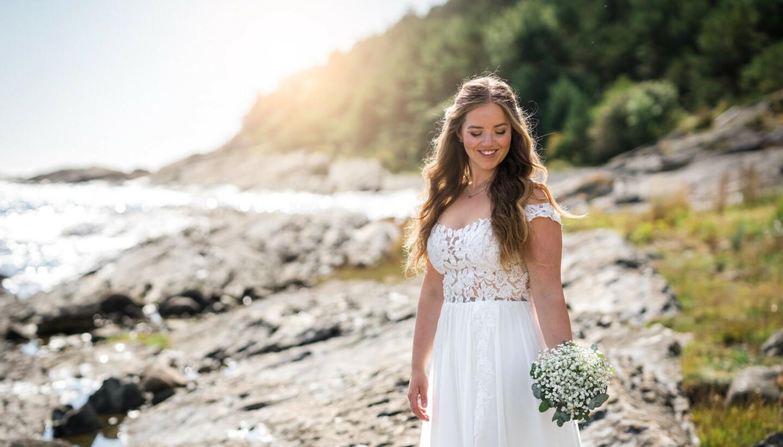 BRUDEKJOLEN: For Malin Sofie var bryllupet prikken over i-en i kampen mot kiloene. FOTO: Privat