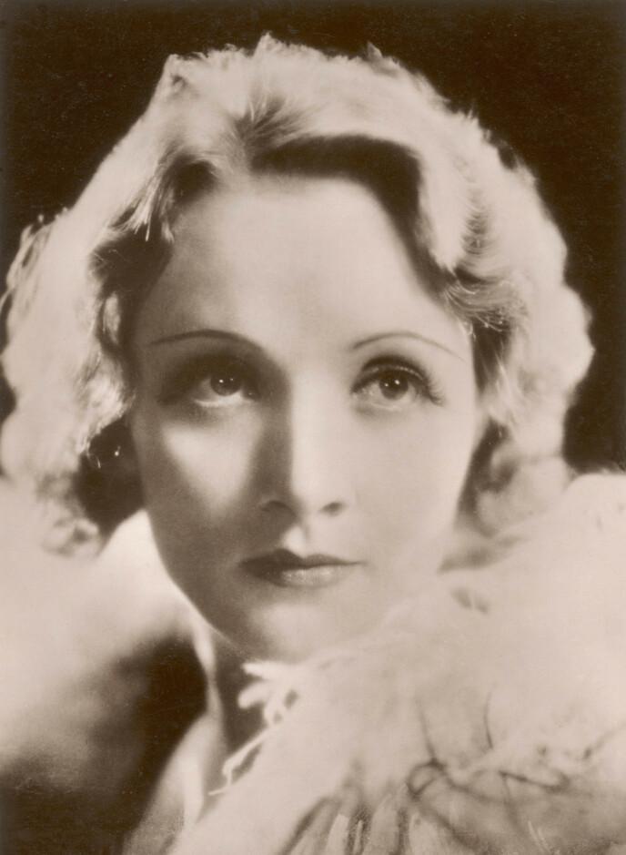 HÅRSBREDD: Marlene Dietrich var en trendsetter, med syltynne bryn. FOTO: NTB