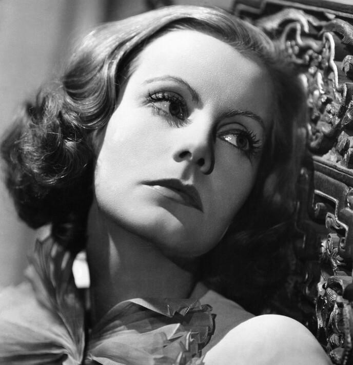 MER HÅR: Greta Garbos mykere bryn fra 30-tallet skapte mote, og rammet inn hennes klassiske trekk. FOTO: NTB