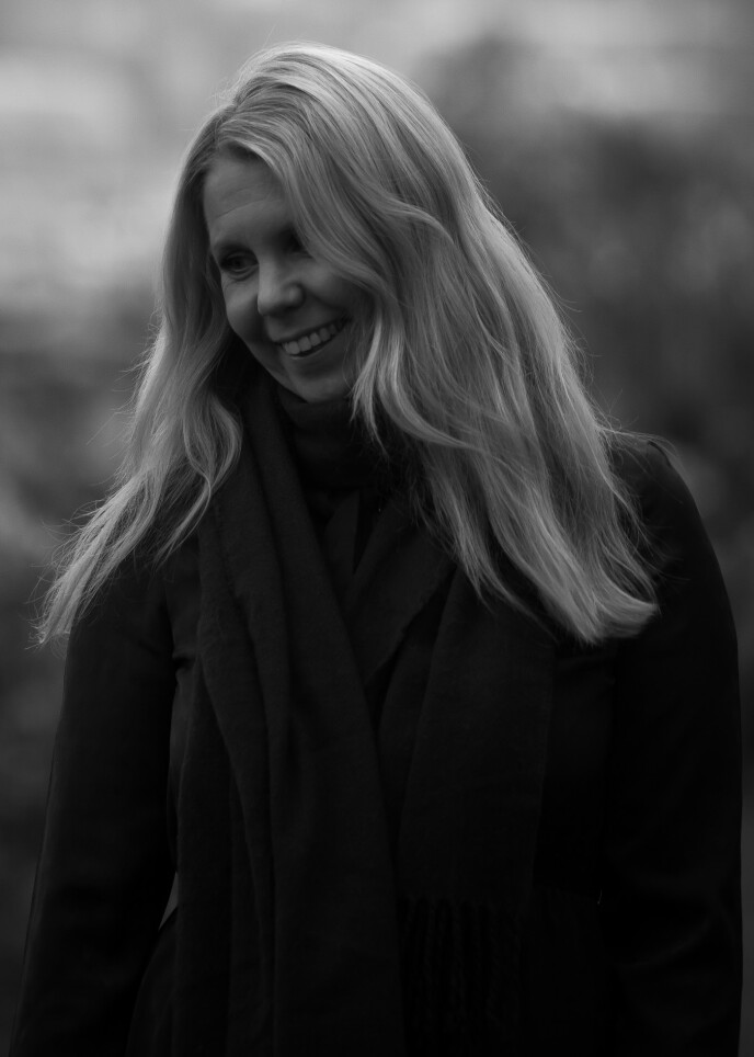 STOR FREMGANG: I dag føler hun seg mye bedre og har sykdommen mer i sjakk, men hun må fortsatt fokusere mye på ro og har satt seg opp noen leveregler i hverdagen for å leve best mulig. FOTO: Julie Jacobsen