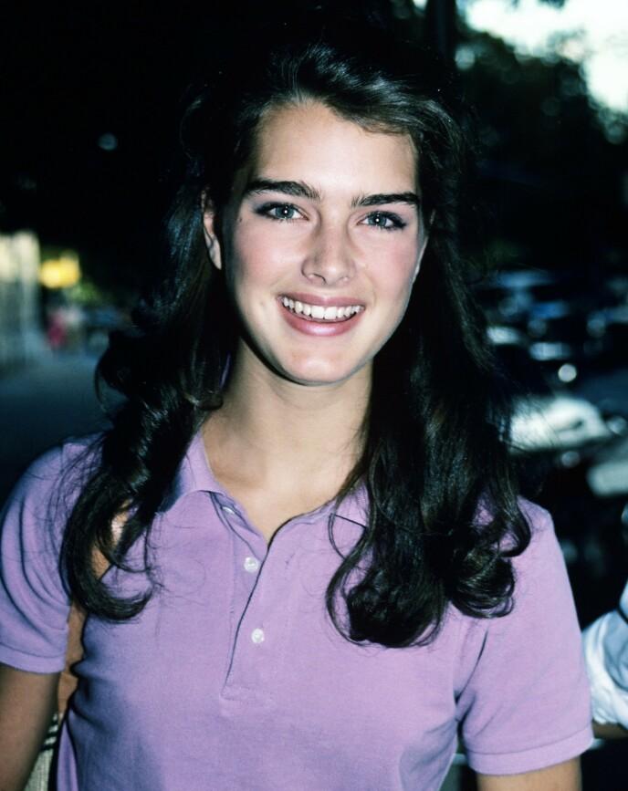 SKJØNNE UNGDOM: Brooke Shields ble kjent for sin skjønnhet - og hadde naturlig fyldige bryn. Her fra 1981. FOTO: NTB