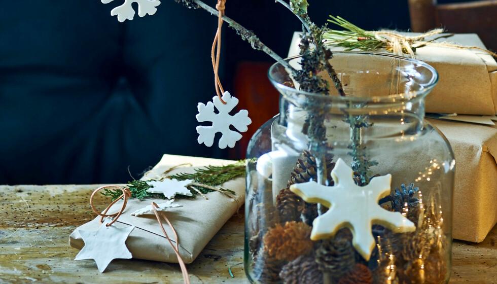 JULEVERKSTED: La hjemmelagd julepynt! FOTO: Skovdalnordic.com og Thea Lind Thomsen