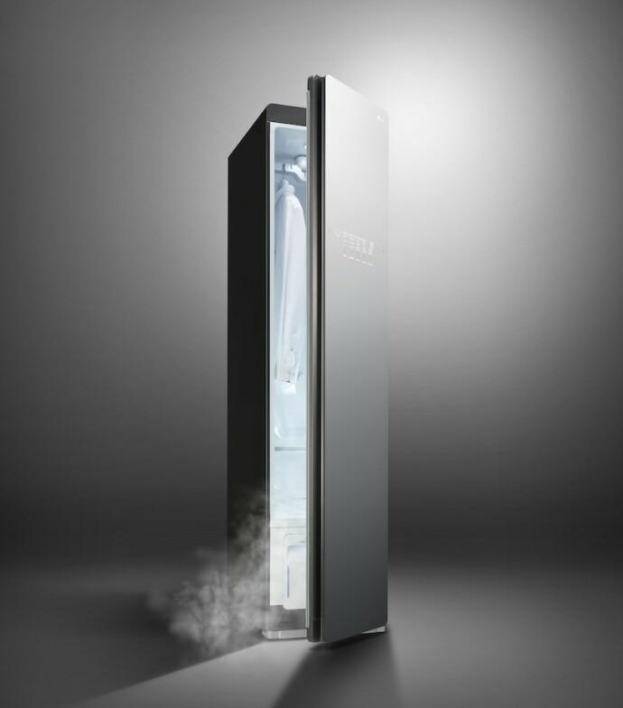 VANNBESPARENDE: LG Styler krever kun et par desiliter vann per dampprogram, og kan plasseres hvor som helst i rommet, så lenge det står i nærheten av et strømuttak.