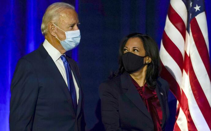 HISTORISK: Joe Biden sammen med Kamala Harris. Hun blir Amerikas første kvinnelige visepresident. FOTO: NTB