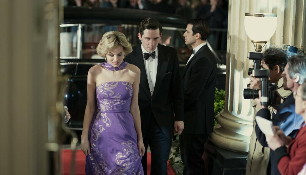 UNGE FØLELSER: Diana og Charles første år, slik skildret i The Crown sesong 4. FOTO: Netflix