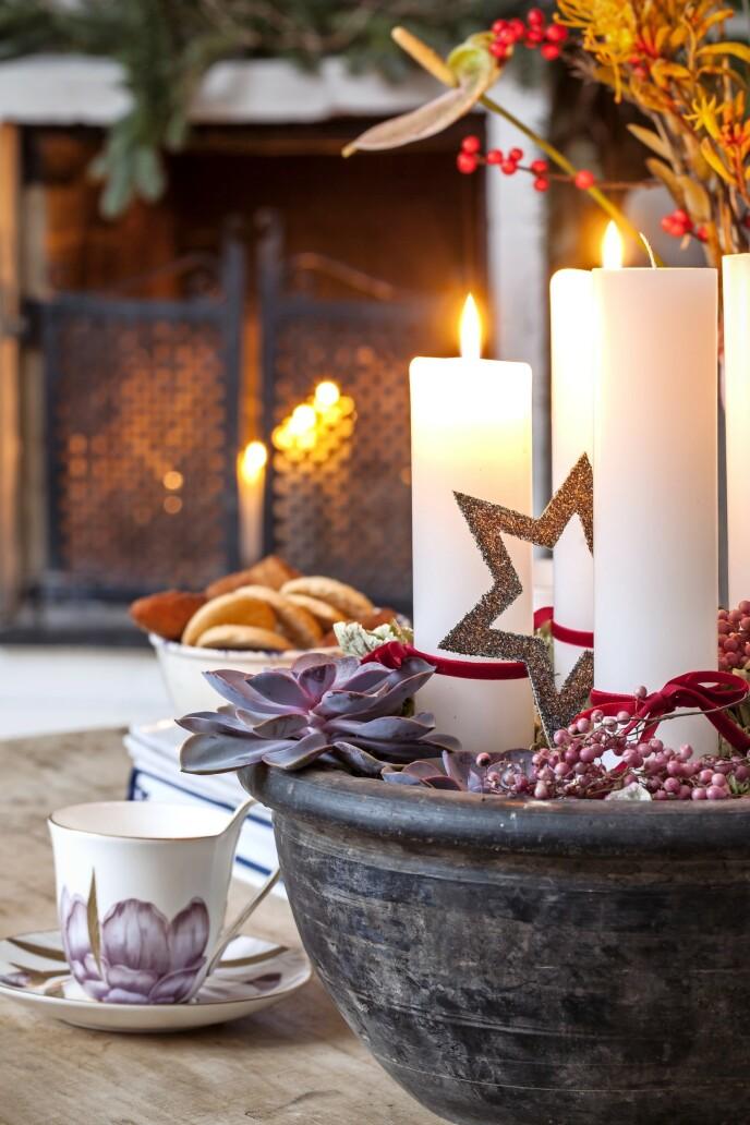 – Etter at vi fikk barna, er det ekstra fint å kunne oppleve julen på nytt gjennom deres øyne, sier Sarah Aunvig Kjærgaard. FOTO: Iben og Niels Ahlberg