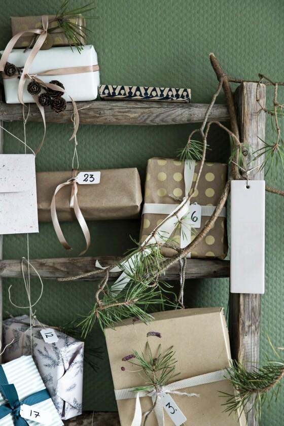 Skriv tall på små merker, og sett ett på hver pakke. FOTO: All over press