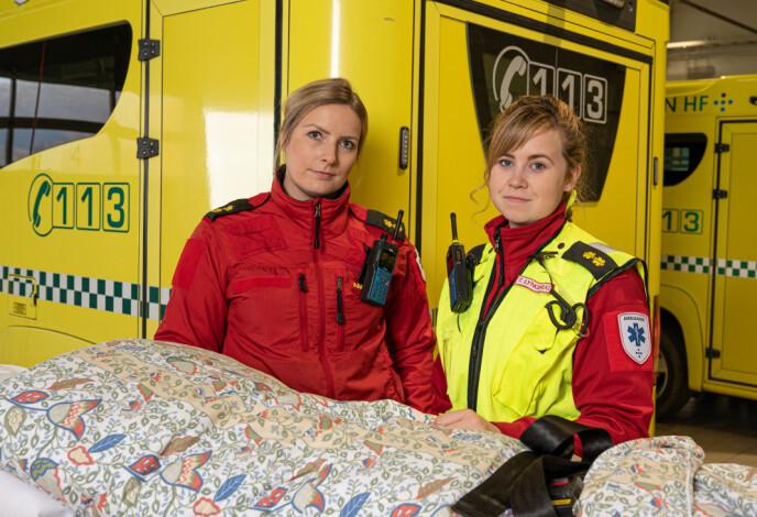 GOD STØTTE: Therese kan ikke få fullrost hvor viktig makker Trine Lynghaug (t.h.) har vært for henne etter Fagereng-tragedien, da de to rykket ut i lag. FOTO: Bernt Olsen/NRK