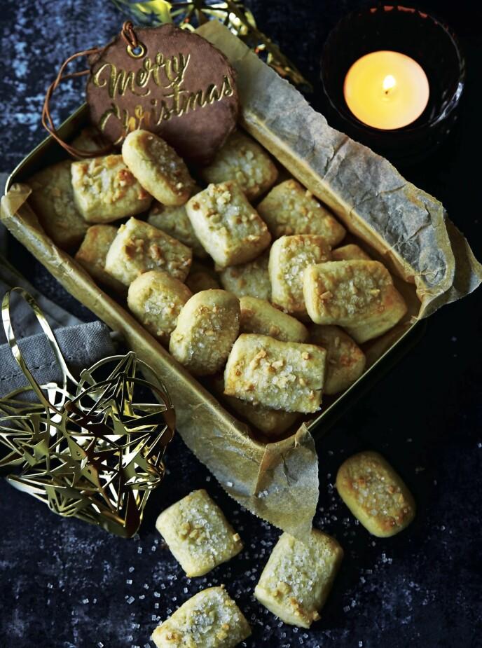 Disse småkakene har visstnok dansk og ikke finsk opprinnelse. Godt smaker de uansett. FOTO: Betina Hastoft