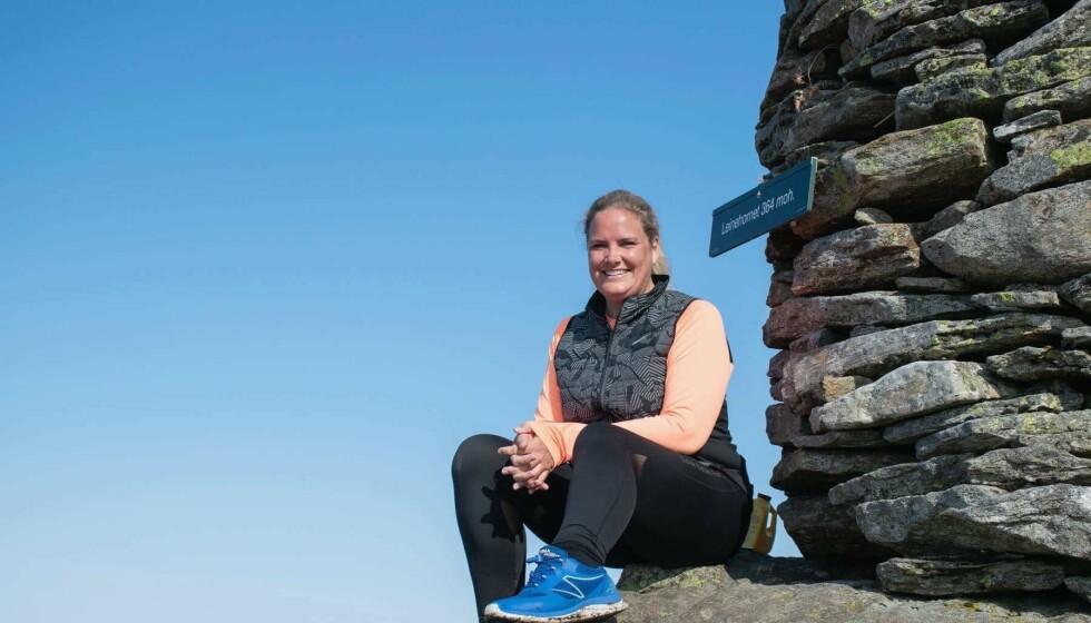 Kunsten å gå ble veien ut av mørke tanker og smerter for Heidi Grimsrud. En dag gikk hun 100.000 skritt.