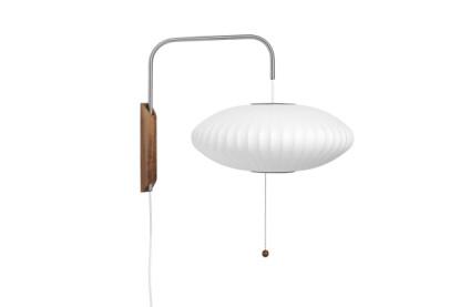 Vegglampe (kr 7300, Hay).
