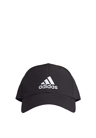 Caps (kr 180, Adidas Performance).