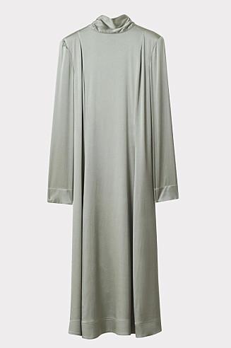 Lang silkekjole (kr 6195, Rodebjer).