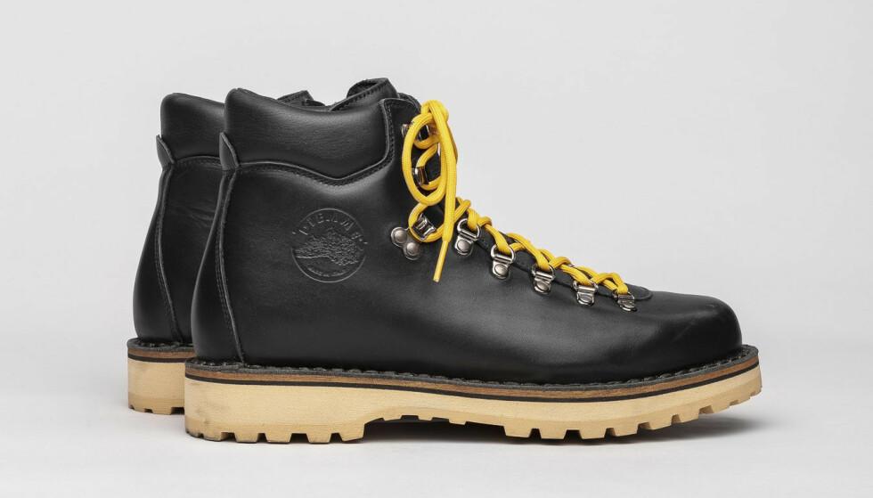 Boots (kr 3800, Diemme).