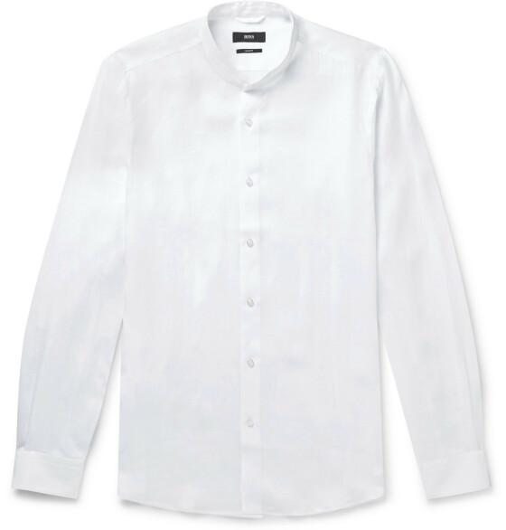Hvit skjorte (kr 1500, Hugo Boss/ mrporter.com).