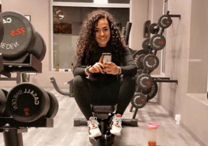 TRENER HVER DAG: Da Emera ble permittert bestemte hun seg for å gjøre en helomvending i livet sitt. Fra å være så godt som inaktiv, trener hun nå hver eneste dag. FOTO: Privat