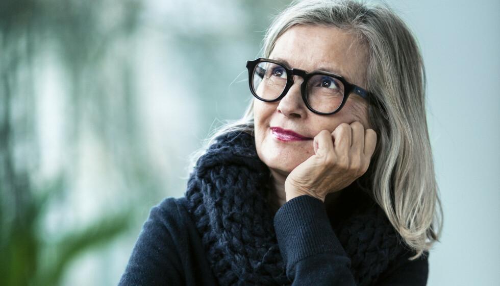 FERDIG MED SILIKONEN: - Det føles godt å ha fjernet dem, sier Gunn-Helen Øye om sikonbrystene hun fikk satt inn for tretten år siden. Foto: Astrid Waller