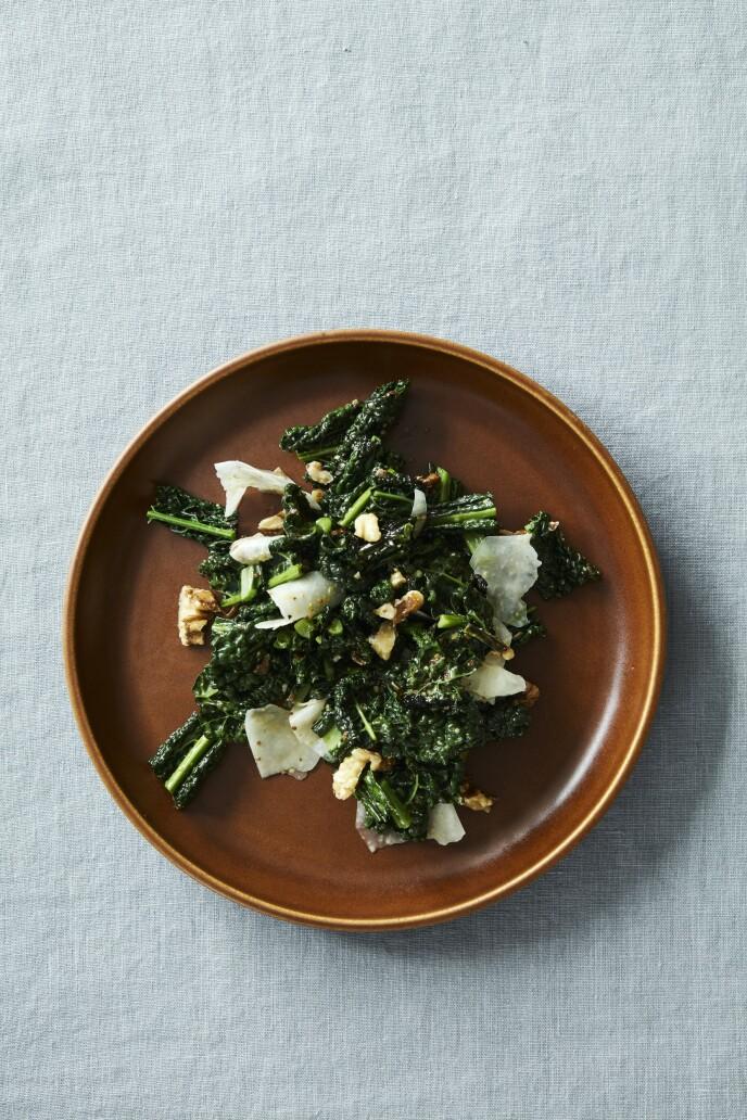 Får du ikke tak i svartkål, kan den erstattes med grønnkål eller savoykål.