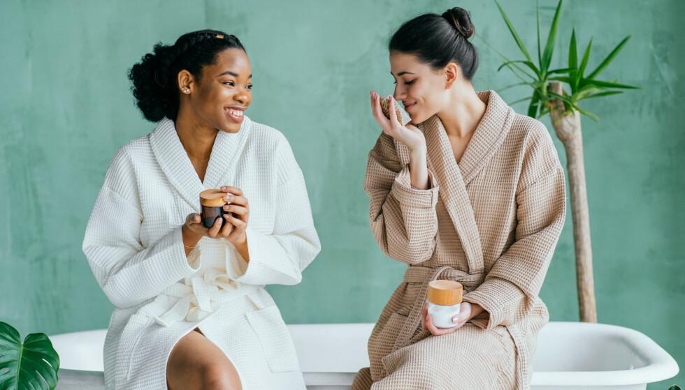 SNAKK SAMMEN: - Snakk med vennen din om utfordringene du opplever. På den måten kan du erfare at dere kommer nærmere hverandre og at relasjonen blir sterkere, sier eksperten.