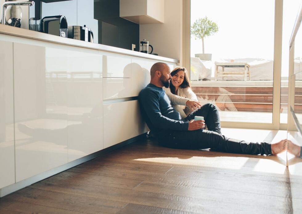 IKKE SI ALT: Det er enkelte ting man heller bør velge å holde for seg selv enn å fortelle partneren for å unngå problemer senere i forholdet. FOTO: NTB