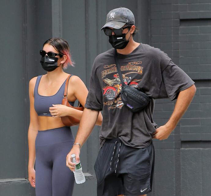 SPORTY PAR: Gerber og Elordi avbildet ofte på vei til eller fra trening. Her er de nettopp ferdig med en økt på et treningsstudio i Los Angeles. FOTO: NTB