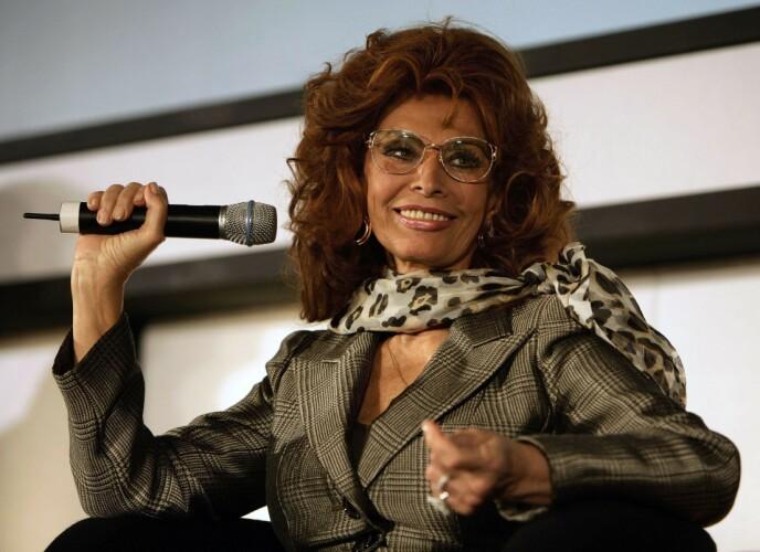 I SLAGET: Sophia Loren under lanseringen av Pirelli-kalenderen i 2007 i London. FOTO: NTB