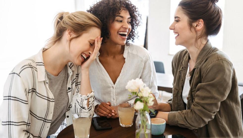 VENNSKAP: Hvis du opplever at du alltid er der for venninna di når hun trenger omsorg og støtte, men ikke opplever å bli sett og støttet når du selv er sårbar og trenger det, er det et tegn på et dårlig vennskap, sier eksperten. FOTO: NTB