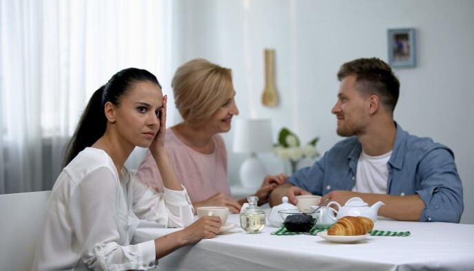 SKAPER PROBLEMER: - Min erfaring er at morsbinding kan skape betydelige problemer i forhold til egen partner, sier eksperten.