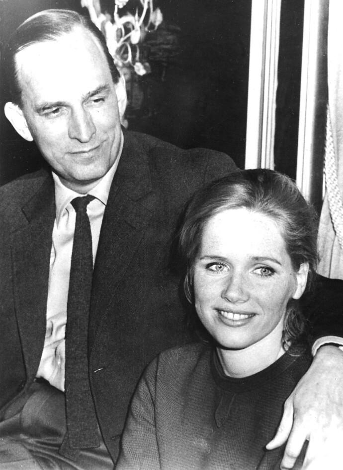 UNG KJÆRLIGHET: Liv Ullmann og Ingmar Bergman på en pressekonferanse i Roma i 1968. FOTO: NTB