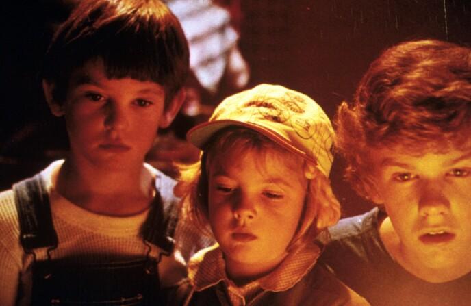 E.T.-STJERNE: Karrieren til Drew Barrymore (i midten) tok av allerede da hun var sju år gammel. Foto: NTB