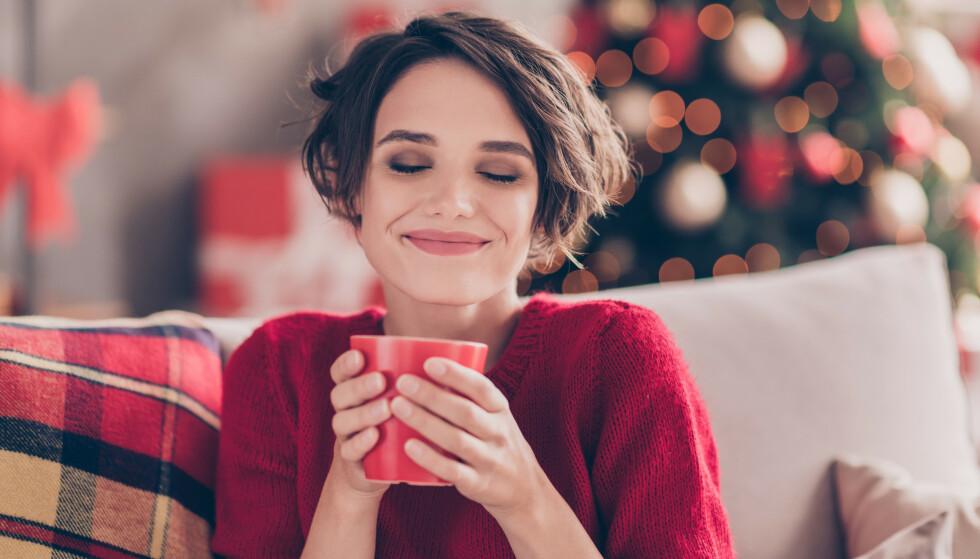 FEIRE JUL ALENE: Det er opplest og vedtatt at julaften er en dag vi alltid skal feire sammen, eller? FOTO: NTB