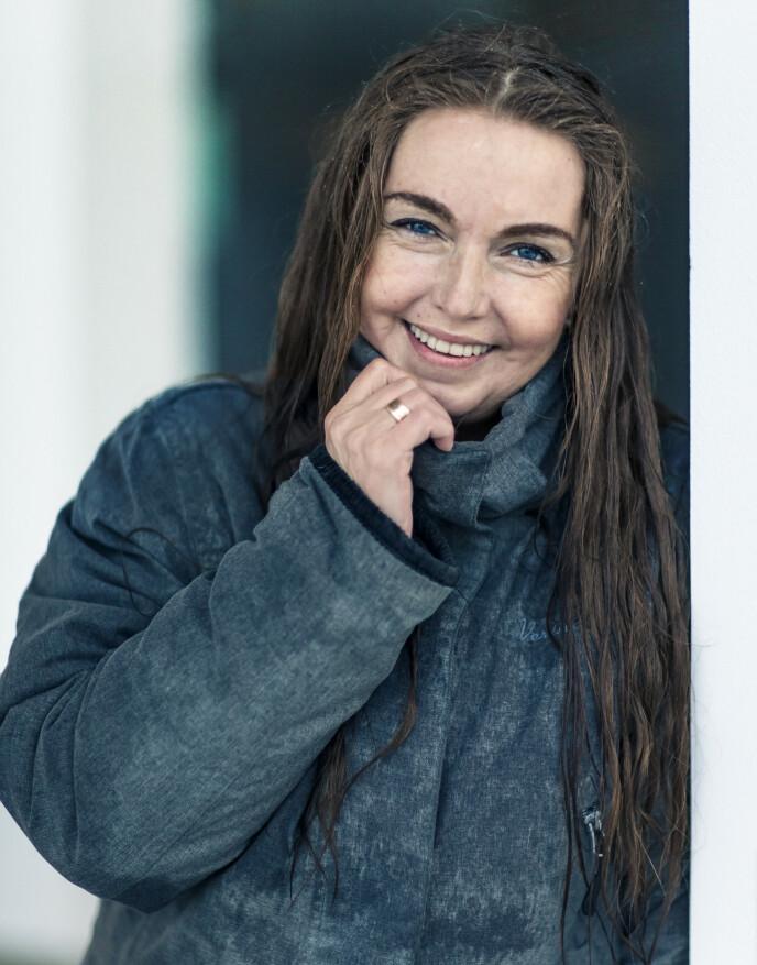 GIFT: Janne har vært kjæreste med mannen sin i 30 år. Han er også rusmisbruker, men hun er evig takknemlig for at hun alltid har hatt ham ved sin side. For seks år siden giftet de seg. FOTO: Astrid Waller