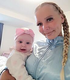 BLE MAMMA: Etter å ha vært gravid åtte ganger, ble Katrine endelig mamma. Foto: Privat