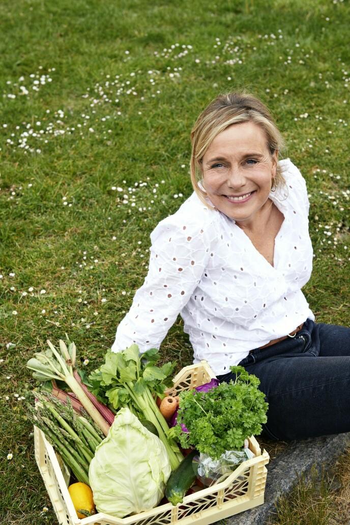 Christina Bølling er helseredaktør i et magasin og forteller at hun et stykke ut i veganuken sin klarte å bestille «en latte med havre» uten å føle seg flau. FOTO: Franne Voigt