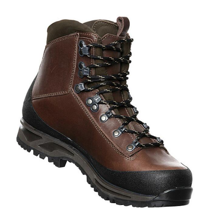 «Impact» er en håndlaget og reparerbar goretex-sko laget for å vare livet ut (kr 5000, Alfa).