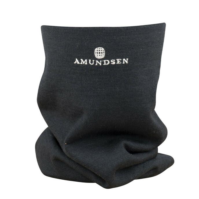 Ekstra lang og varmende hals (kr 700, Amundsen).