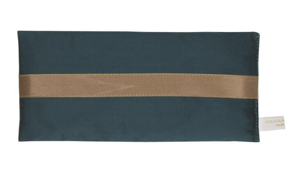 Øyepute med lavendel (kr 550, Holistic Silk).